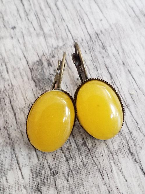 Mustard stone ear rings