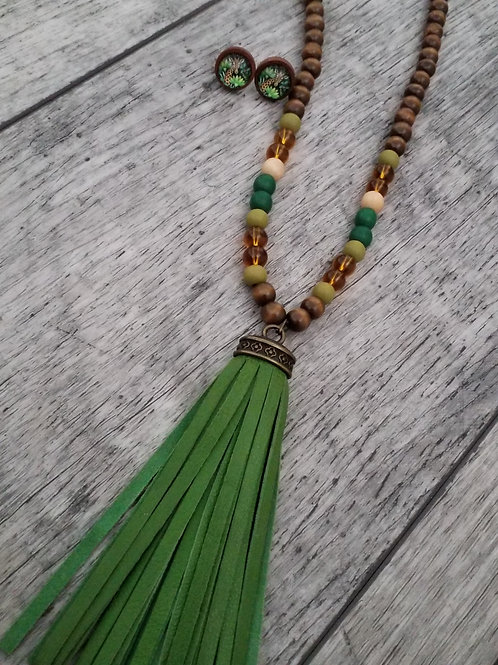 Green leather tassel necklace