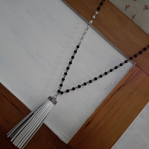 Black and white genuine leather tassel necklace