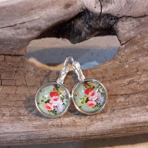 Mint floral ear rings