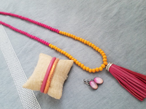 Pink grapefruit tassel necklace