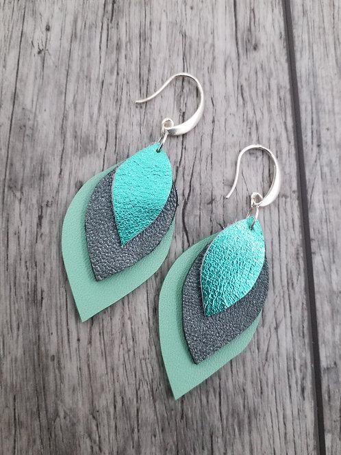 Mint tri leaf ear rings
