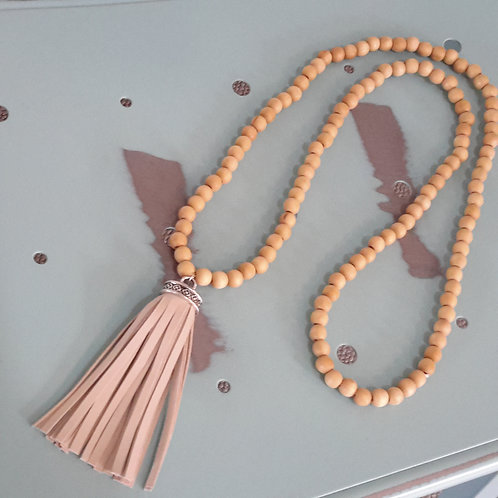 Natural beads with beige leather tassel