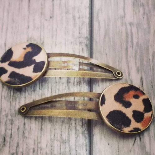 Chunky leopard print hair clips