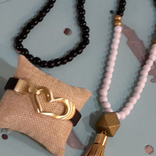 Black and gold heart bracelet