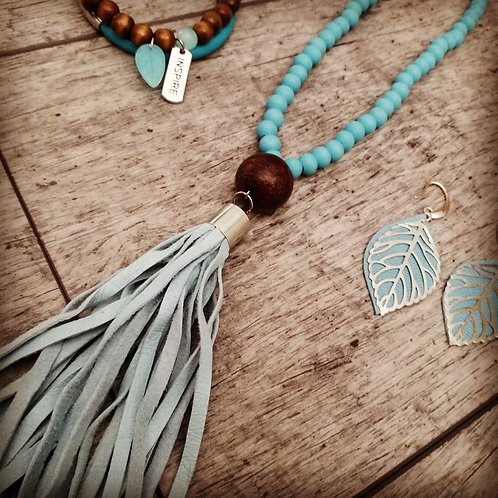 Turqoise tassel necklace