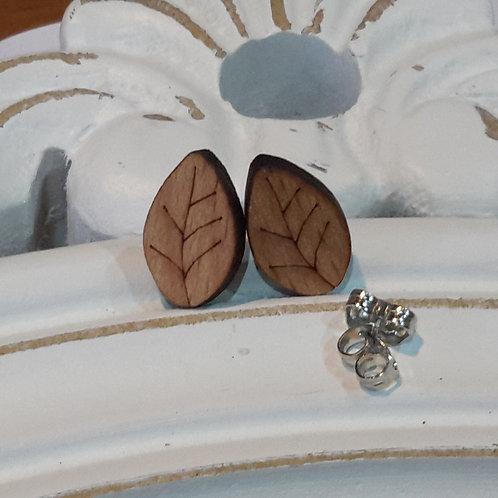 Wooden leaf studs