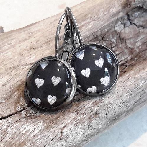 B & W heart ear rings