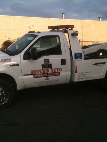 mitch-auto-tow-truck-philly.jpeg