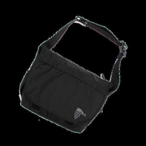 LAPTOP MESSENGER BAG - BLACK