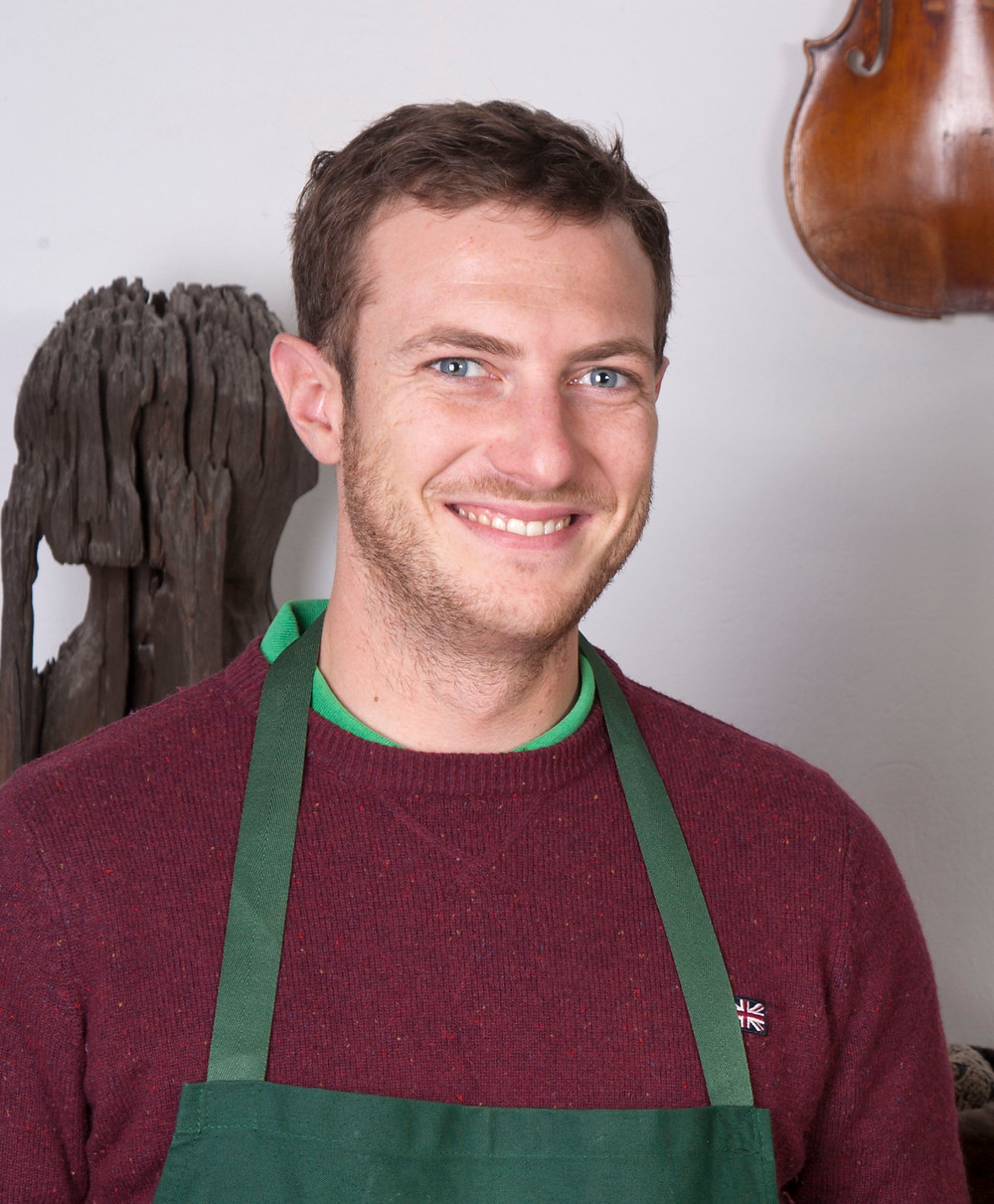 Baptiste Juguera, assistant luthier à l'Hôtel Magnol