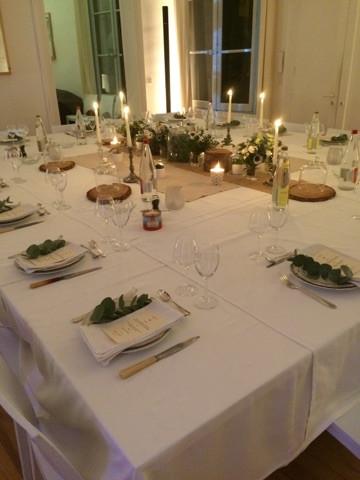 Une belle table pour votre repas de fête à l'Hôtel Magnol