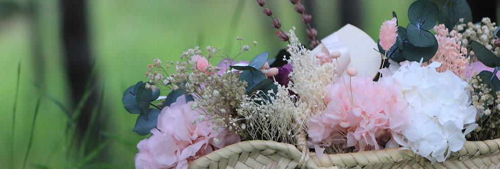 Capazo de flor preservada rosa