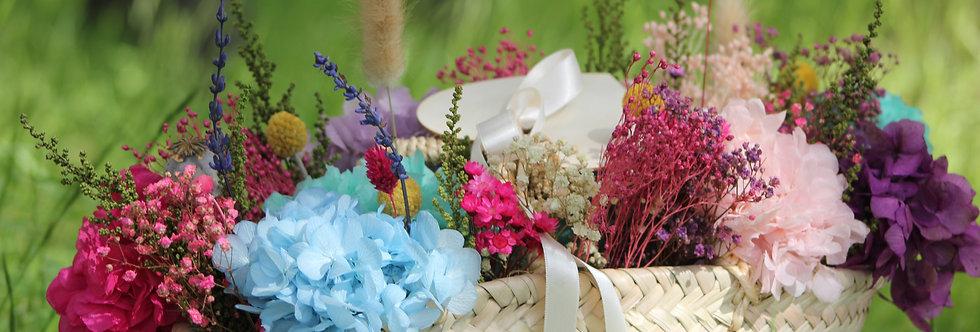 Capazo de flor preservada colorido