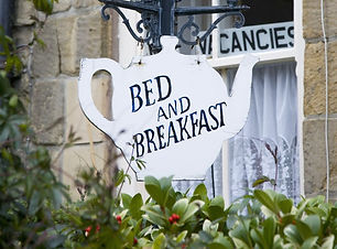 teapot-shaped-sign-outside-bed-and-break
