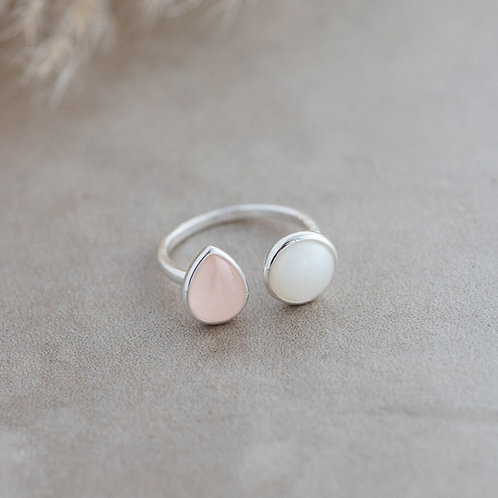 Duet Ring- rose quartz/white moon stone