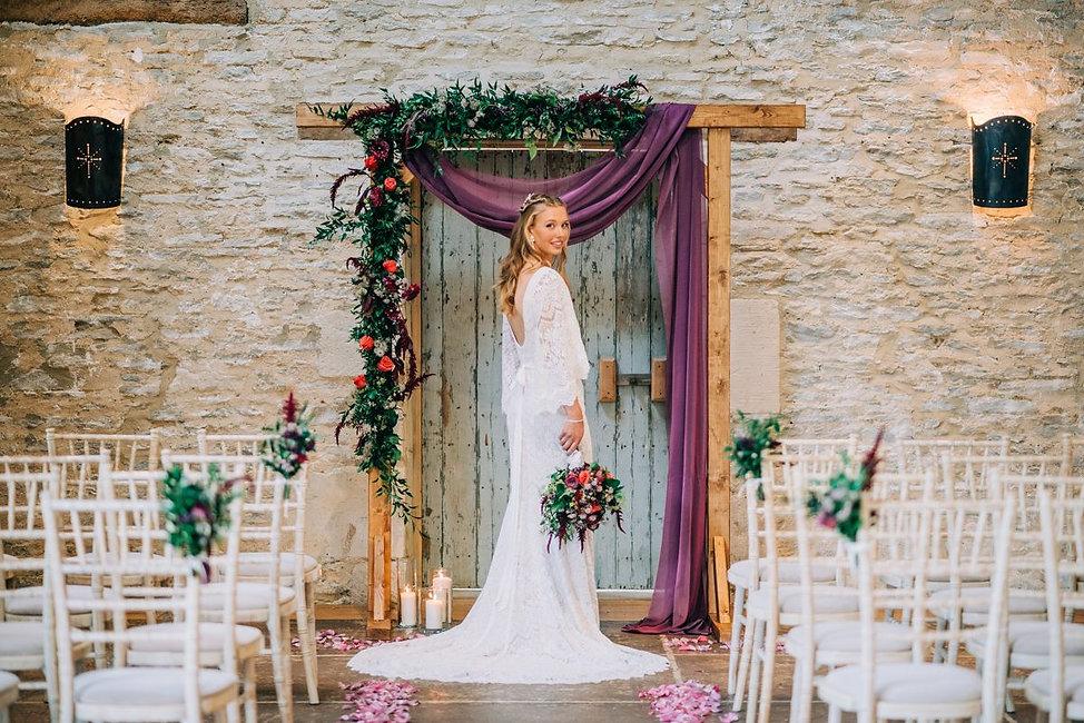 cotswolds-barn-wedding-flowers.jpg