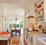 07_1456_BUR_int_kitchen.jpg