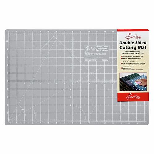 Cutting Mat: M: 45.7 x 30.4cm
