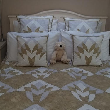 Quilt & Cushions by Jane