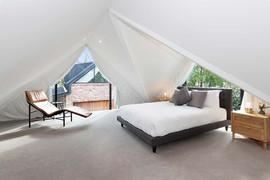studio-bedroom.jpg