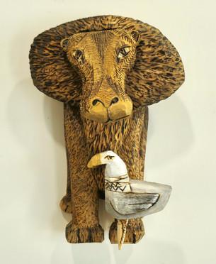 Lion & Gull