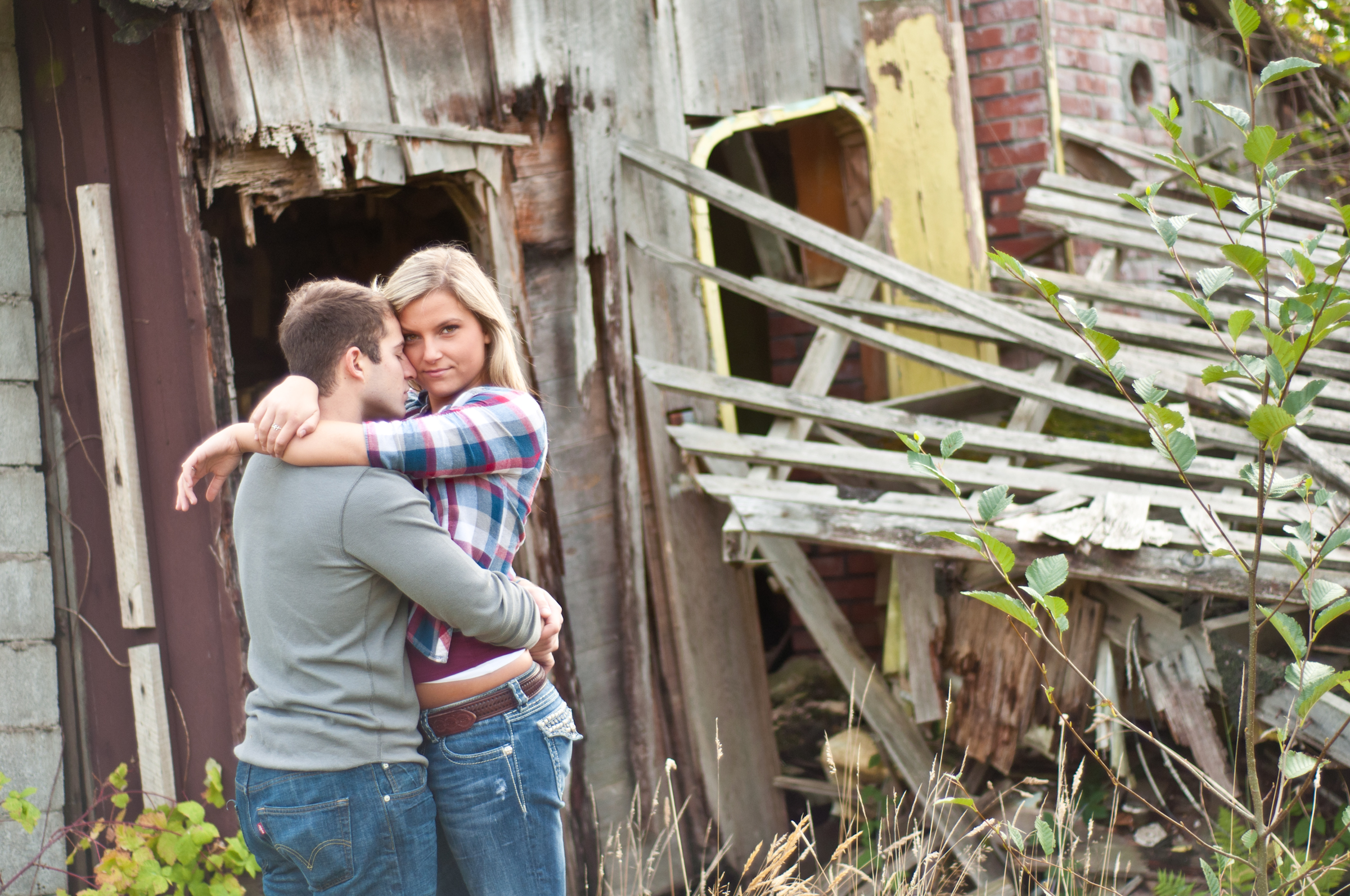 Engagement Photo old barn