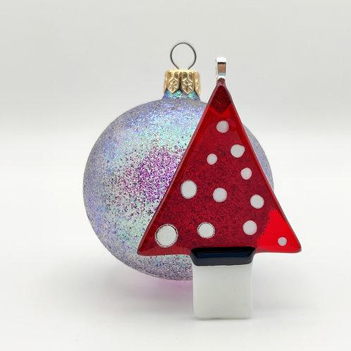 Red Christmas Tree, Decoration