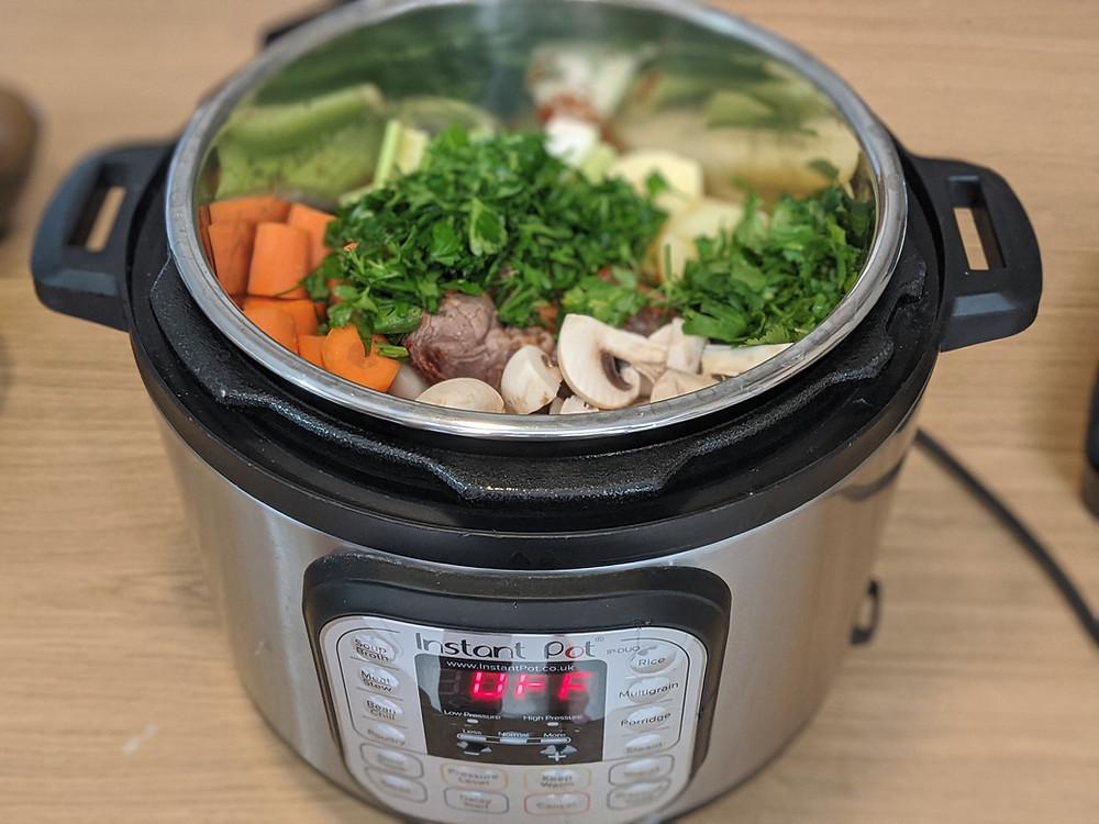 תבשיל בקר בסיר לחץ אינסטנט Instant Pot