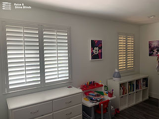 white-plantation-shutter-bedroom-hialeah