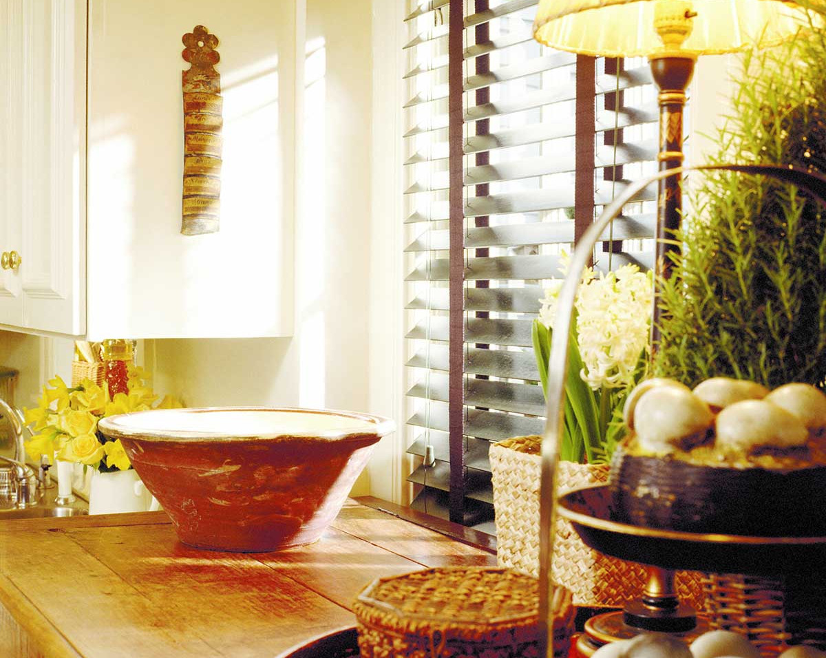 taped-real-wood-blinds-kitchen.jpg