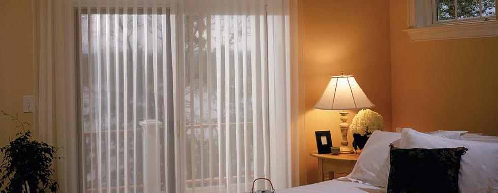 white-vertcal-sheer-shade-bedroom.jpg