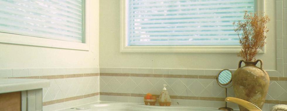horizontal-sheer-shades-bath.jpg