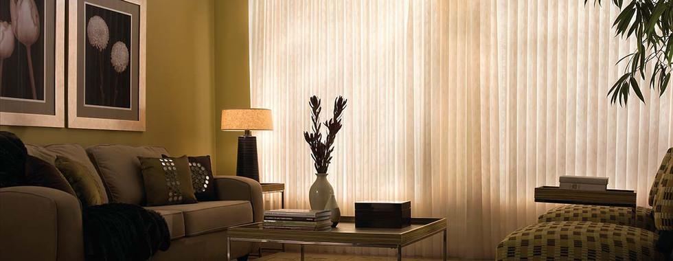 classy-vertical-sheer-shade-living-room.