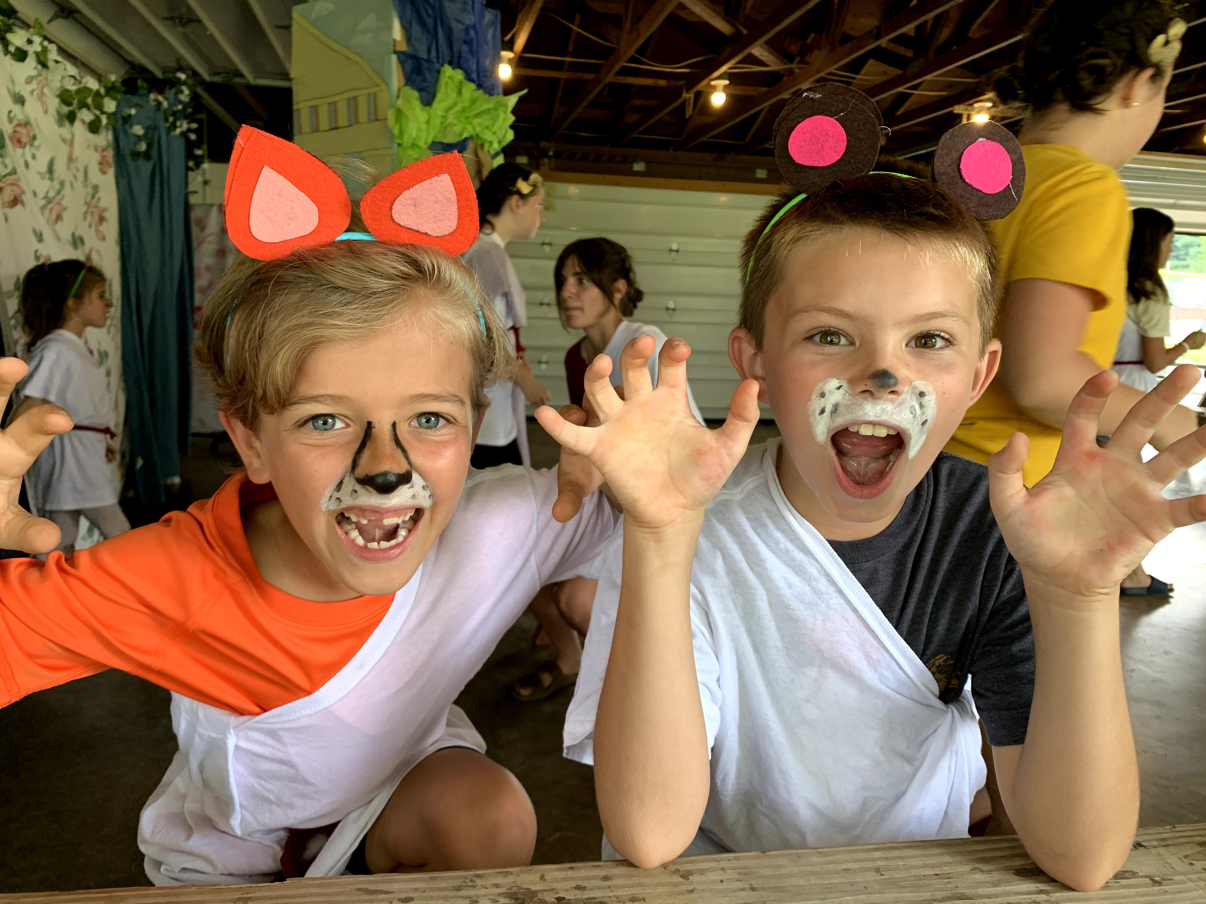 a fox & a bear - Aesops