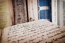 books-bookshelf-open-532267.jpg