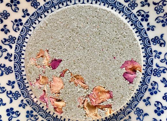 Sea Clay & Rose Fizzing Bath Bomb