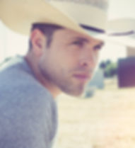 Dustin-Lynch-press-photo-by-Ford-Fairchi
