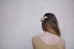 Couronne d'hellébores - Jeune fille