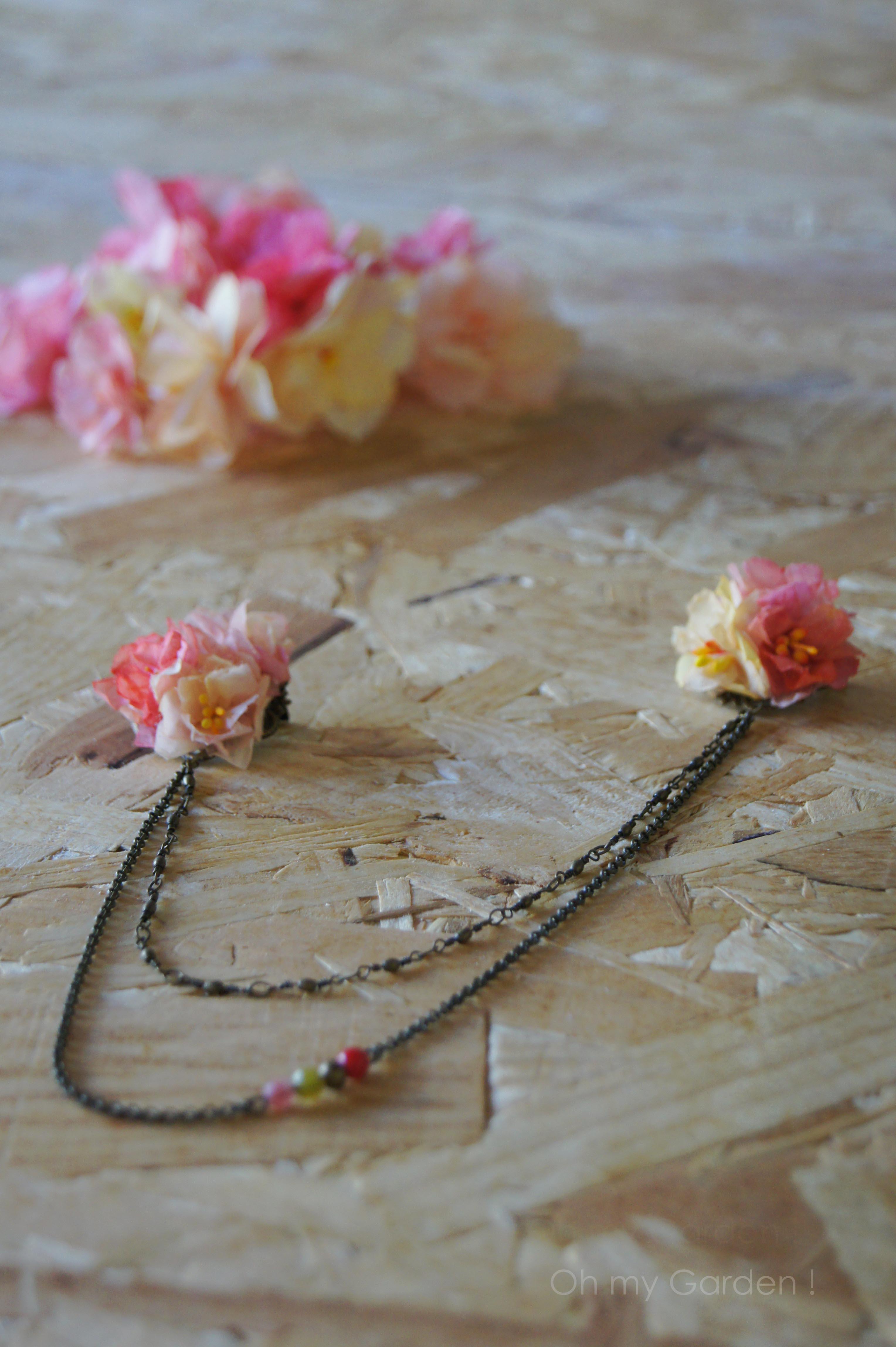 broche double fleur pour corsage chaine bronze pierre de corail quartz