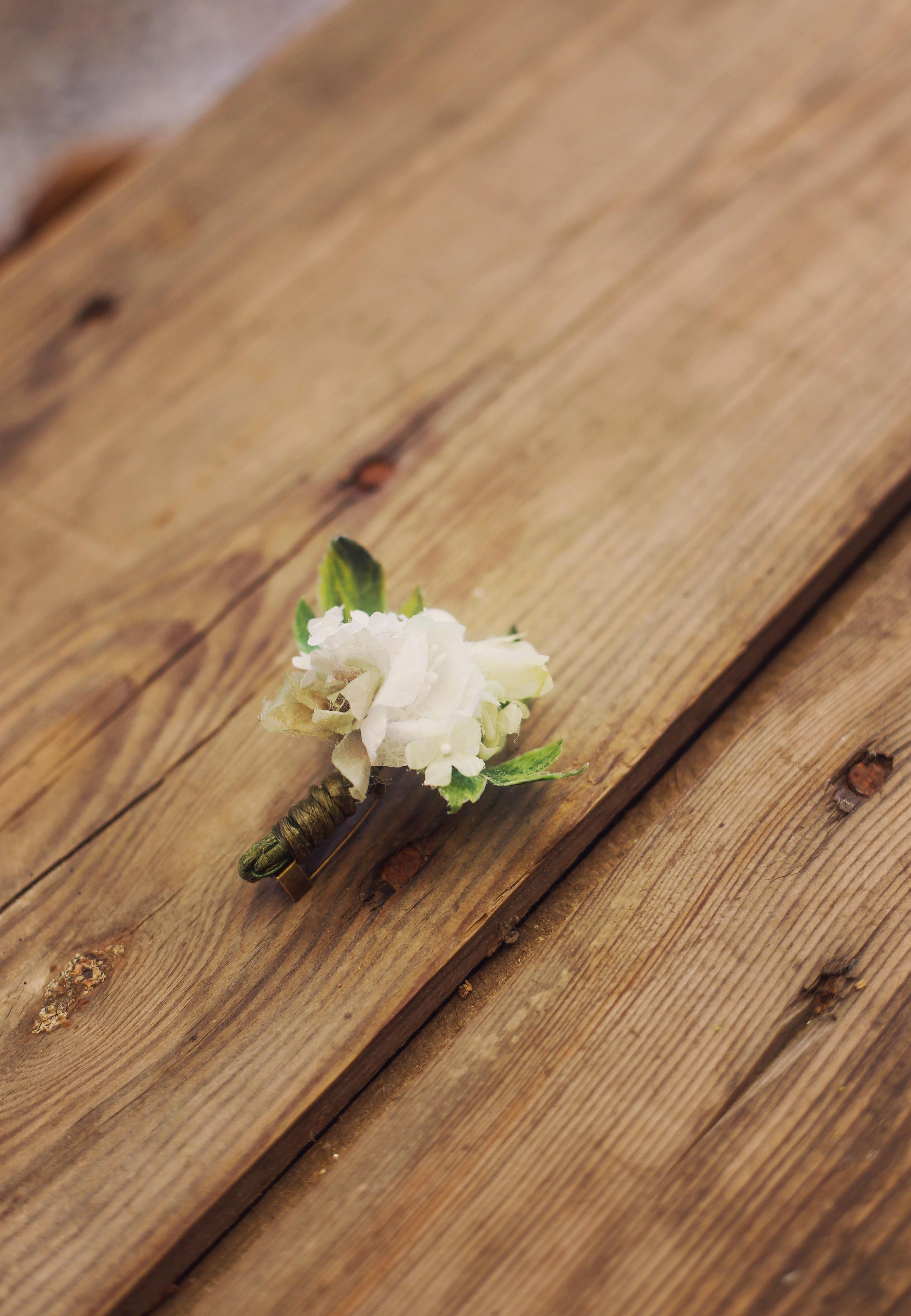 Boutonnière marié botanique