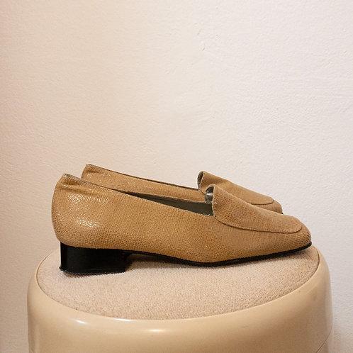 Sandfarbene Loafer