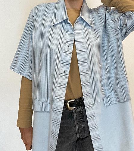Hellblaues Streifenhemd