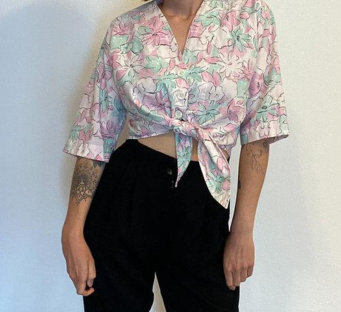 Short Bluse mit Knoten