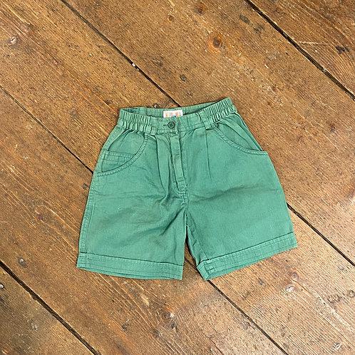 Grüne Short
