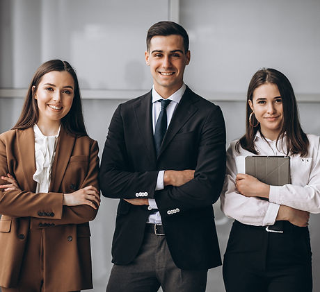 bussiness-people-working-in-team-in-an-o