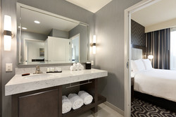 Embassy Suites Portland Hillsboro - Guest Bathroom - 1006194