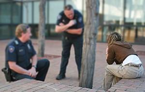Police use verbal de-escalation