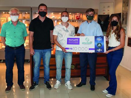 IBTeC entrega prêmio à vencedora do programa Startup RS Shoes do Sebrae RS