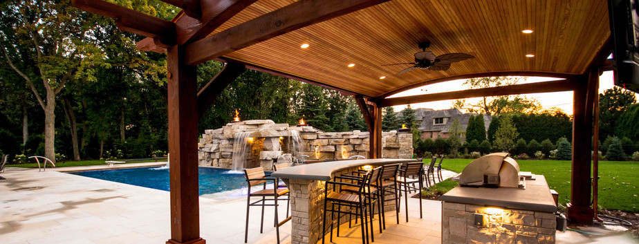 Swimming Pool, Outdoor Bar & Grill